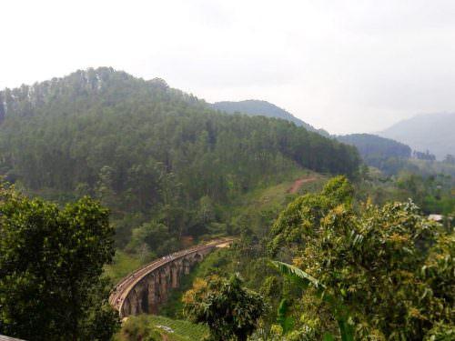 nine arches bridge Sri Lanak